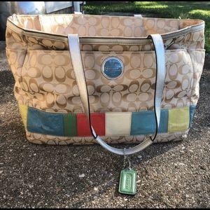 🎁Authentic COACH signature diaperbag/ weekend bag